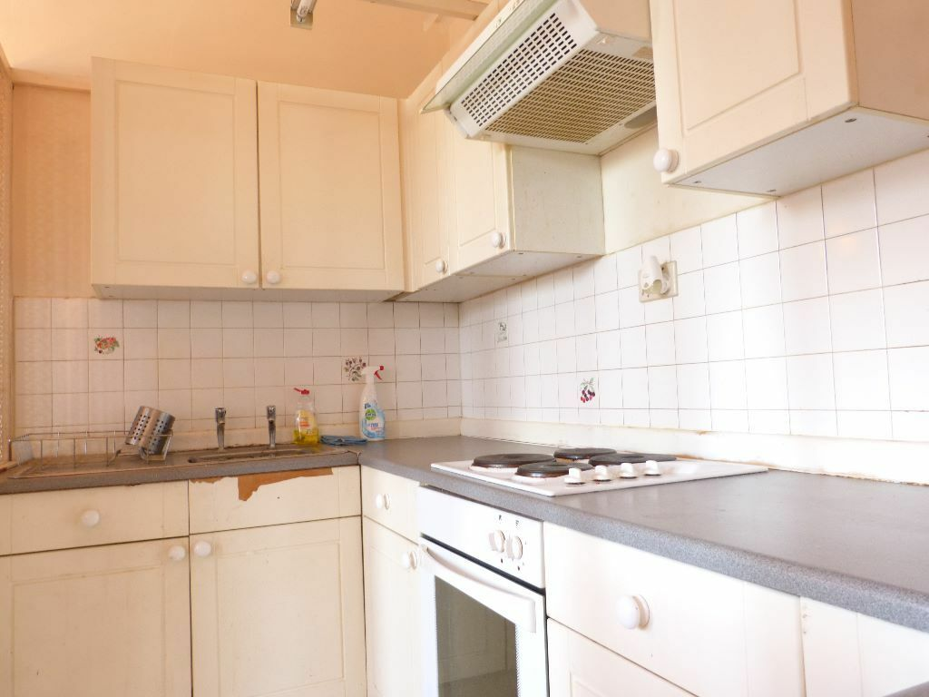 Amazing One Bedroom Period Conversion Moments From Tulse Hill BR Station - NO DSS