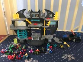 Immaculate condition imaginex Batman and Robin playset with Avengers figures