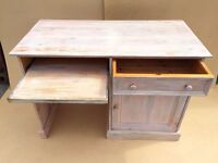 CHEAP DESK FREE DELIVERY IN LIVERPOOL