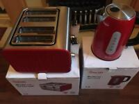 Stainless steel Swan 4 Slice Toaster & Kettle brand new in stunning red