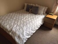 DOUBLE ROOM AVAILABLE IN FLAT SHARE, ALL BILLS INCLUDED, 4 MIN WALK TO ZONE 2 TUBE!