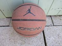 BASKET BALL - JORDAN BASKET BALL