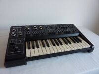 Roland SH1 monosynth in excellent serviced condition