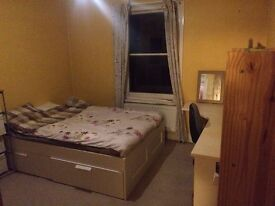 one double room in a 5 bedroom house close to highfield and portswood