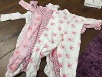Baby grows age 3-6 months