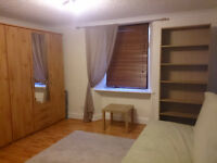 Studio Flat in Gilmerton South Edinburgh for Festival Rent