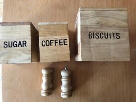Set boxes & pepper and salt