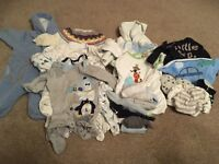 Small bundle of unisex clothes 0-3 months