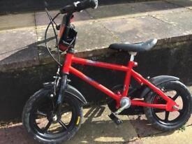 """Children's bike 12"""" wheels red"""
