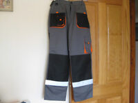 small size OUTDOOR LEISURE PURSUIT TROUSERS .TOP OF THE RANGE