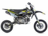 STOMP Z3 140 PIT BIKE, FINANCE AVAILABLE, ADULTS, KIDS MOTORBIKE