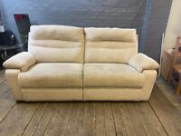 SCS FABRIC SOFA LIKE EX DISPLAY IN EXCELLENT CONDITION VERY COMFY £199 FREE DELIVERY