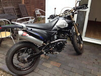 Sinnis 2008 125 + second engine 3 000 miles only !! is not passed mot need small repairs ne