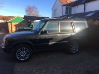Black Land Rover Discovery GS td5 53 plate automatic