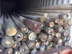 Poteau en bois traité (8 à 40 pieds)