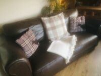 Lovely leather 3 seater sofa from Harveys. Great condition.