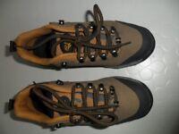 Ladies HI-TEK walking shoes
