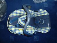 Graco Car Seat Suit Newborn 0+ Blue With Yellow Check Pattern Head Hugger & Hood