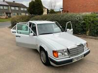 1992 Mercedes-Benz E200 200E W124 Automatic. 83K Miles. Full Service History 17 stamps. 2 keepers.
