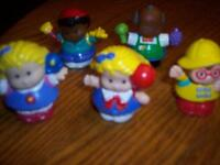Lot de 5 figurines PERSONNAGES Little People de Fisher Price