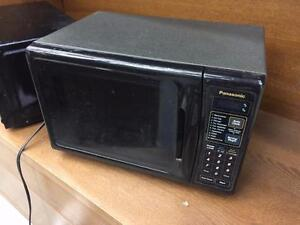 Panasonic Apartment size Mircrowave 600W- Used