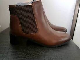 Brown leather mantaray boots