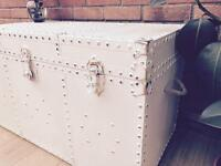 Vintage Chest / coffee table / trunk / storage