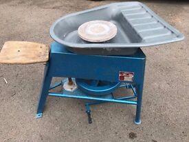 Pottery/Potters Wheel
