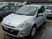 Renault clio 1.5 dci 2010 breaking for parts.