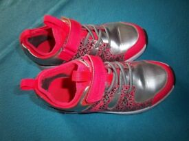 Clarks Girls Trainers Size 11.5 UK / 29.5 Eur IP1