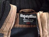 Jacket RefrigiWear brown used Medium size keep very warm well made suit small, waterproof.