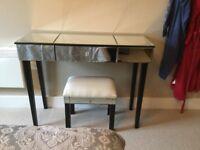 Mirror finish elegant bedroom furniture set. Good condition