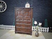 ABSOLUTELY STUNNING ANTIQUE SOLID WOOD DRINKS CABINET/CUPBOARD VERY SOLID AND HEAVY UNIT