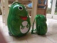 Skyflite Kids Frog Cabin Trolley Case plus Back Pack