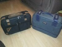 2 Retro / Vintage Suitcases. Cheap!!!