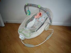 baby comfort harmony bouncher chair vibrates and plays music with play arch