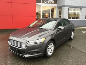 2015 Ford Fusion SE FWD SE LOW KMS ! NO Accidents !