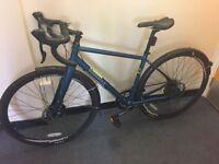 Brand new pinnacle cyclocross ladies / gents entry level road bike disc brakes carbon forks bargain