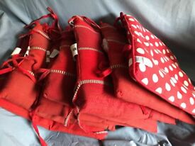 7 RED CHAIR SEAT RUGS   7 for £10