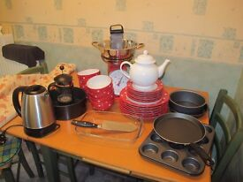 Whole sale of some crockery, cutlery and a few kitchen appliance, including a Mixer/ blender