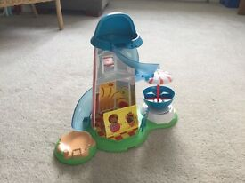 Peppa pig helter skelter and accessories