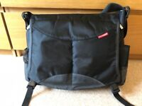 Skiphop Messenger Changing Bag great for Dads