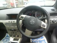 Vauxhall ASTRA Twin top Design,1796 cc Convertible,full MOT,hard top convertible,best of both worlds