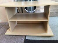 Tv/ Stoage Unit in Light Wood with 1 Shelf