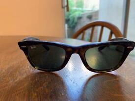 b95491cd4ef HUGO BOSS glasses case.