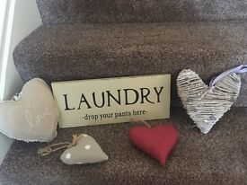 Shabby chic bundle hearts and laundry sign