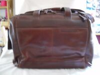 BROWN LEATHER EXECUTIVE WEEKEND/OVERNIGHT BAG - EXCELLENT CONDITION