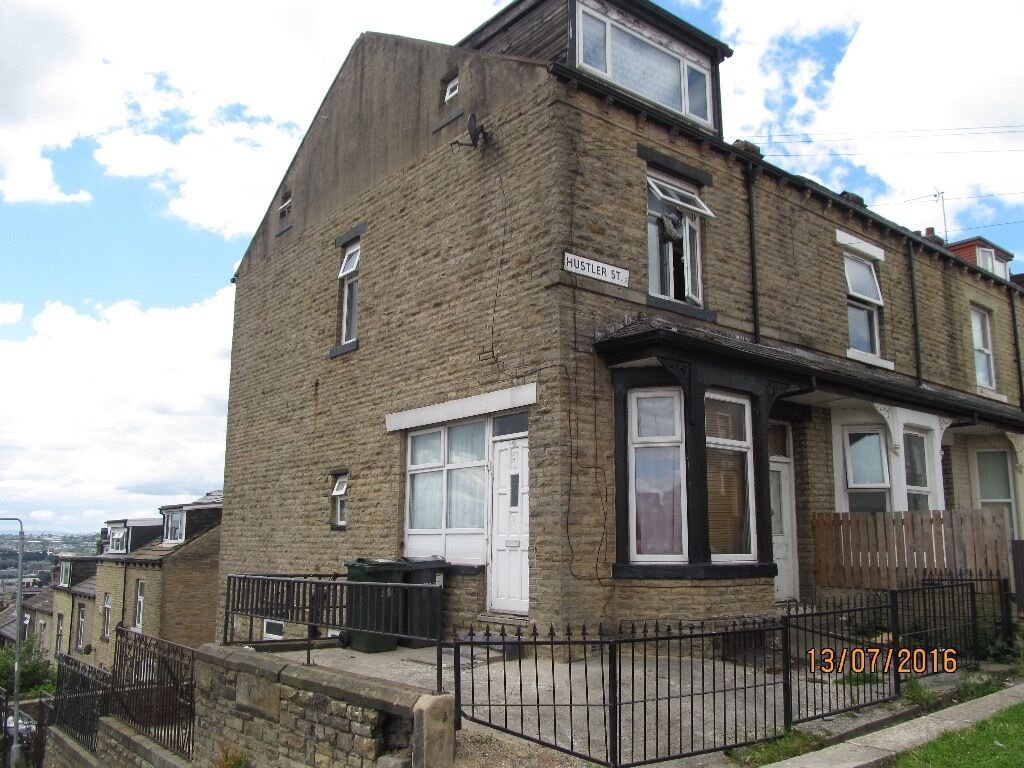 Large end of terrace property for sale currently in 4 flats