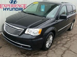 2016 Chrysler Town & Country Touring-L DVD/BACKUP CAM/LEATHER/FA