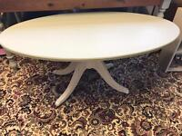 Oval coffee table - shabby chic
